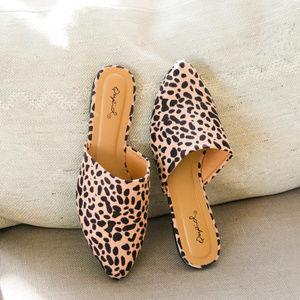 Soho - Leopard Mule Flats